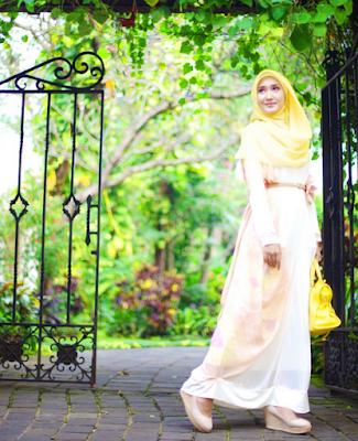 Model Busana Gamis Pesta Muslim Dian Pelangi Modern Terbaru