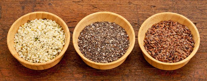 Sementes de linhaça e de chia, boas fontes vegetais de ómega-3