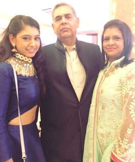 Niti Taylor Biography Age Height, Profile, Family, Husband, Son, Daughter, Father, Mother, Children, Biodata, Marriage Photos.