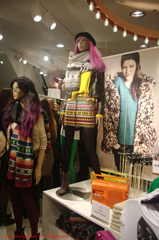 Aztec print and bright colors, H&M Mannequins, trend SS12 and AW12