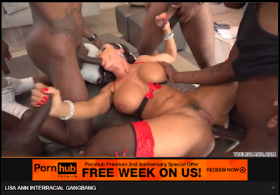PT-BR: Coroa morena com uma bichinha peluda, Lisa Ann em anal, oral e punheta em um gangbang com 4 BBC (grandes paus pretos). EN: Mature brunette with a hairy pussy, Lisa Ann in anal, oral and handjob in a gangbang with 4 BBC (big black cocks). FR: Mature brune avec une chatte poilue, Lisa Ann dans anale, orale et branlette dans une partouze avec 4 BBC (grosses bites noires). IT: Bruna matura con una figa pelosa, Lisa Ann in anale, orale e handjob in un gangbang con 4 BBC (grossi cazzi neri). ES: Madura morena con un coño peludo, Lisa Ann en anal, oral y paja en un gangbang con 4 BBC (grandes pollas negras).