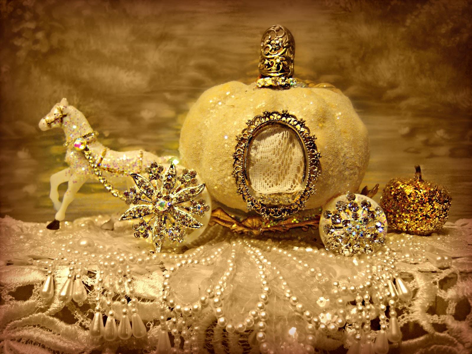 Suzy Homefaker Cinderella S Pumpkin Brooch Coach