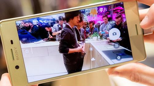 Kamera Handphone Terbaru Sony Xperia X