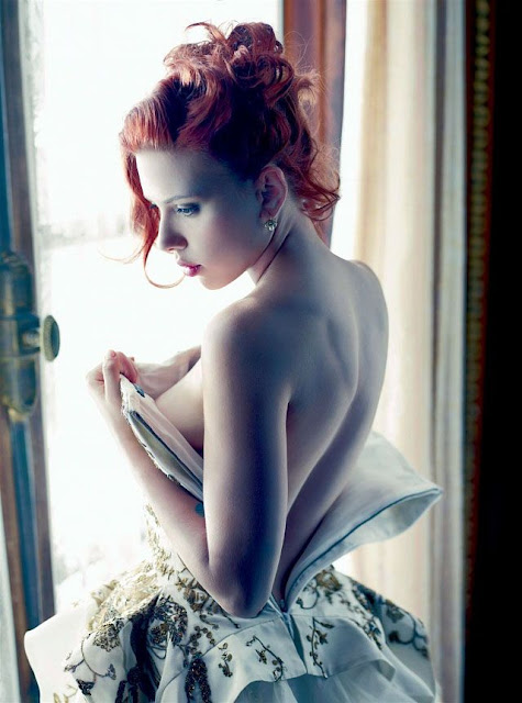 Scarlett Johansson Topless covering her B00bs | Sexy Magazine Shots
