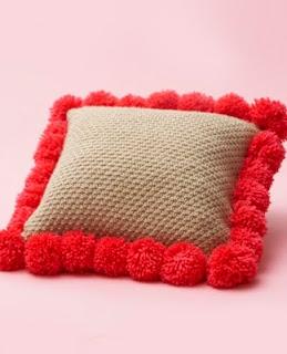 http://www.yarnspirations.com/pattern/knitting/pompom-edged-pillow?utm_source=responsys&utm_medium=email&utm_campaign=back-to-school-dorm-7-29-2014
