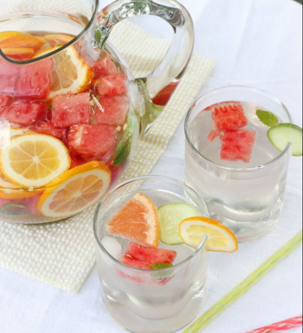 Refreshing, Nourishing Vitamin Water #hydrating #drinks