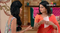 Jigyasa Singh from Thapki Pyaar Ki in Orange Transparent Saree (1).jpg