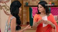 Jigyasa Singh from Thapki Pyaar Ki in Orange Transparent Saree (1).jpg