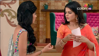 Jigyasa Singh TV show actress from Thapki Pyaar Ki in Orange Transparent Saree