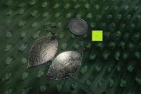 Vergleich: ZEEme Damen-Ohrhänger Messing Blatt Metall vergoldet 6.2 cm - 374030016