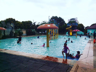 Taman Permainan Air Taman Buaya Melaka