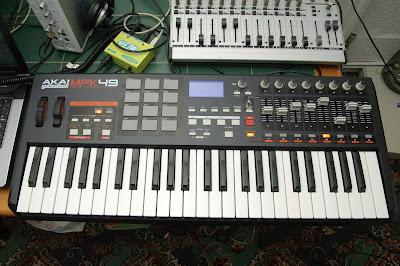 Cara Desain sound bass Dengan Synthesizer di Reason