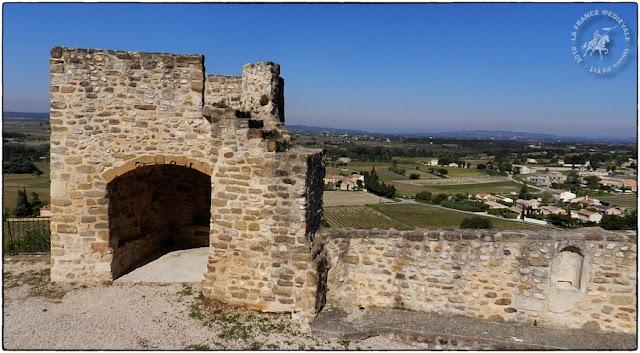 CAIRANNE (84) - Les remparts médiévaux