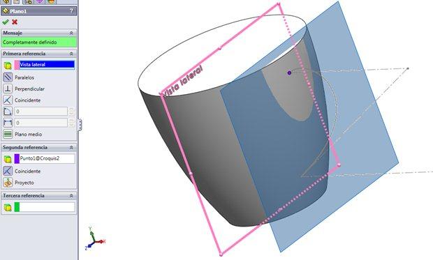 Creación de un plano paralelo a Vista lateral y que contiene al punto de la Spline