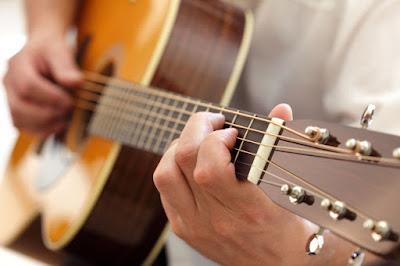 Cách lên dây đàn Guitar đơn giản