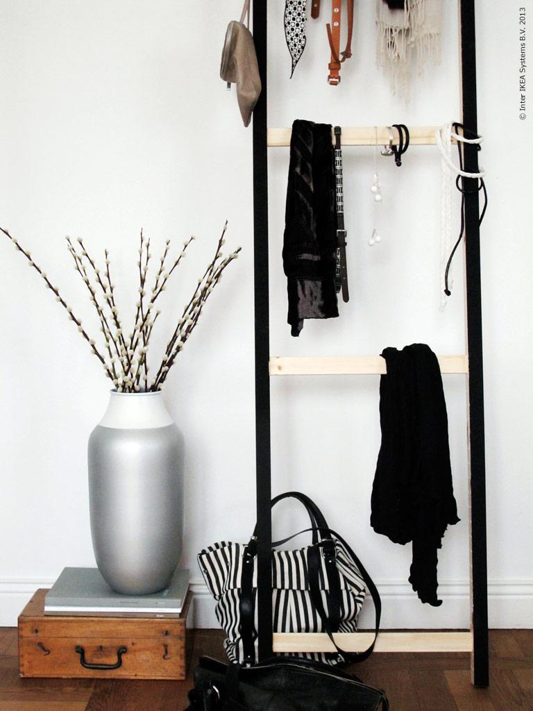 ikea hack estructura lateral ivar para exponer tus accesorios. Black Bedroom Furniture Sets. Home Design Ideas