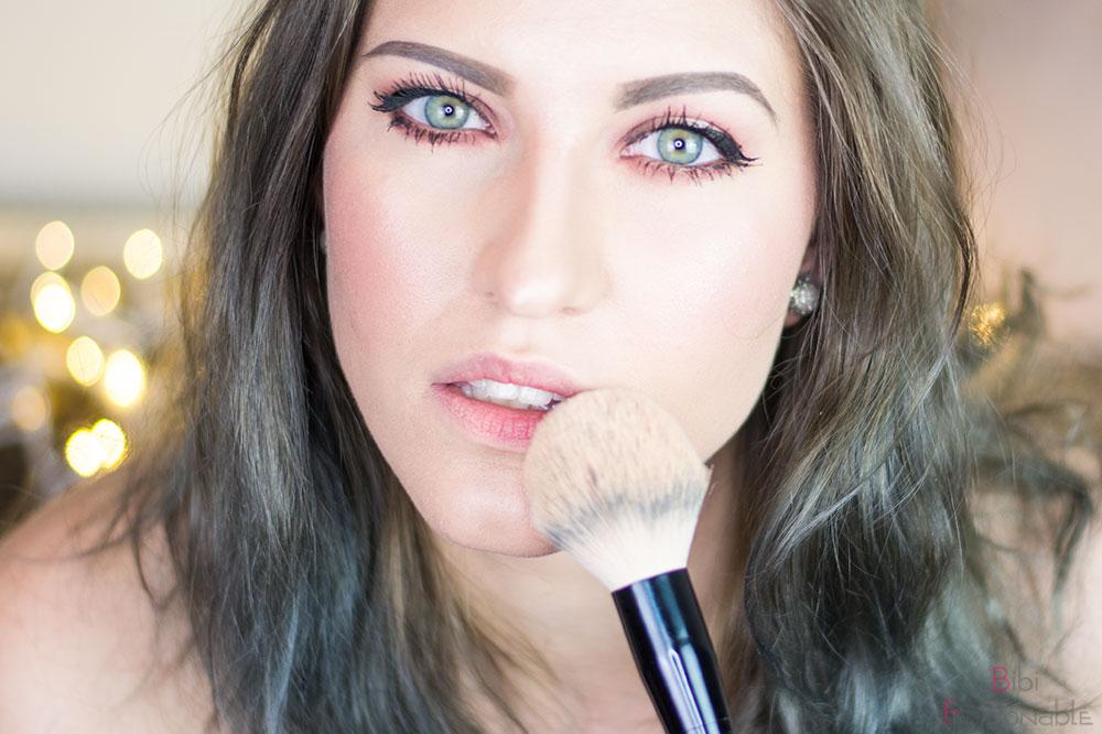 5 Schritte zur perfekten Nude-Lippe abpudern