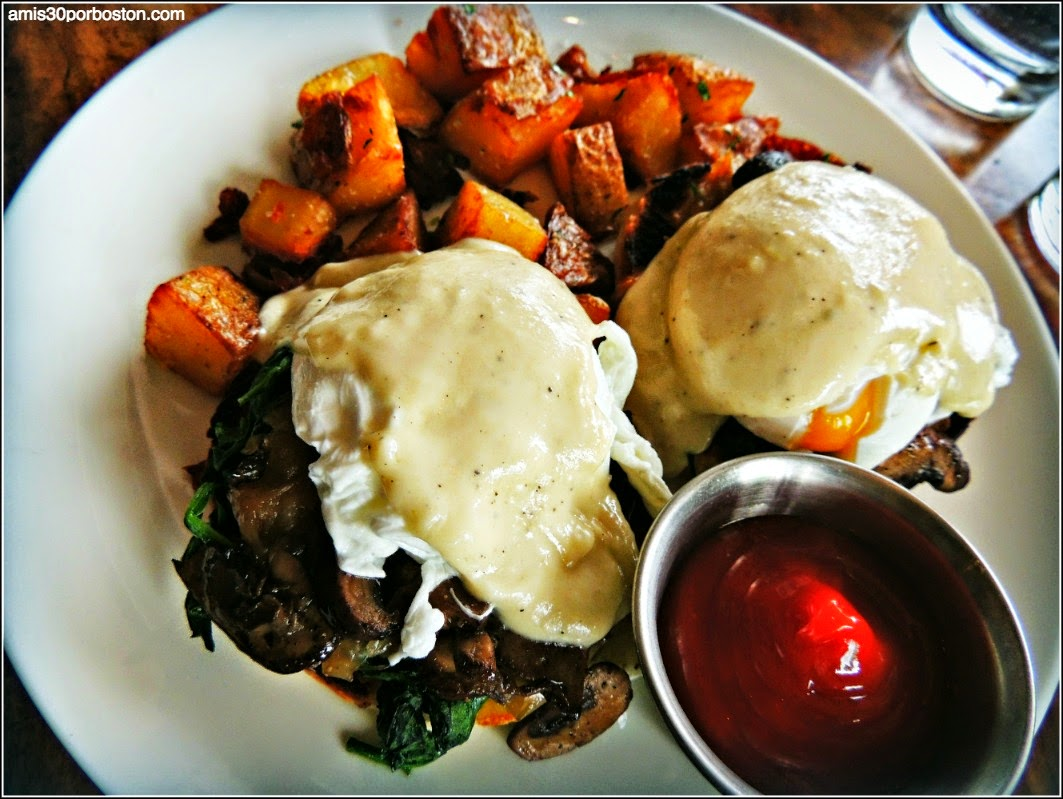 Mission Beach Cafe: Wild mushroom Benedict with spinach, caramelized onions, truffle mornay sauce, potatoes