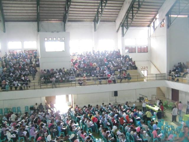 Foto Pada Saat Tes Ujian Tulis Pedamping Desa, Gor Alun - alun Sigli 2015