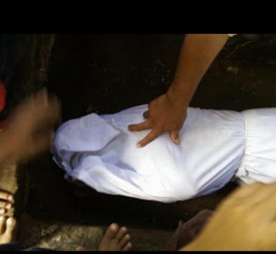 Sering Melewatkan Shalat, Jenazah Wanita Ini Dililit Ular Hitam
