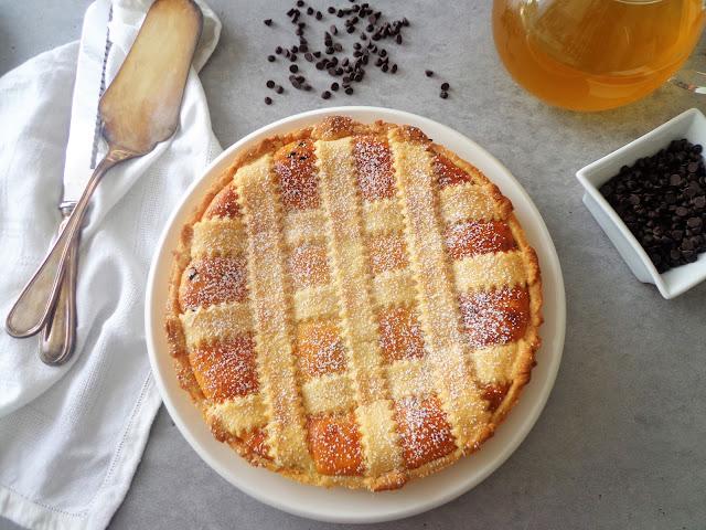 Tarta sernikowa z czekoladą (Crostata di ricotta e gocce di cioccolato)