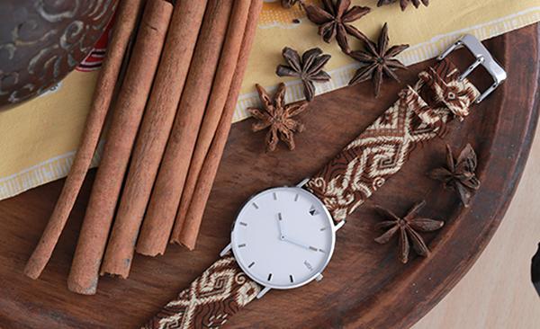Jam tangan batik merek Wish asli Indonesia