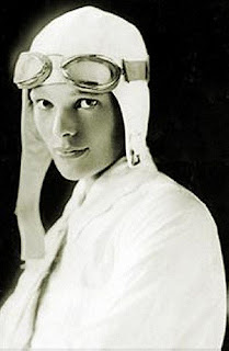 BIOGRAPHY AMELIA MARY EARHART, THE FIRST FEMALE PILOT IN THE WORLD