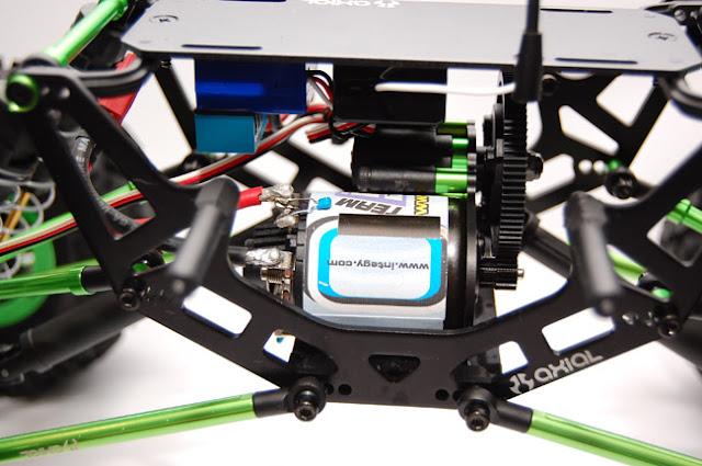 Axial AX10 Scorpion motor install