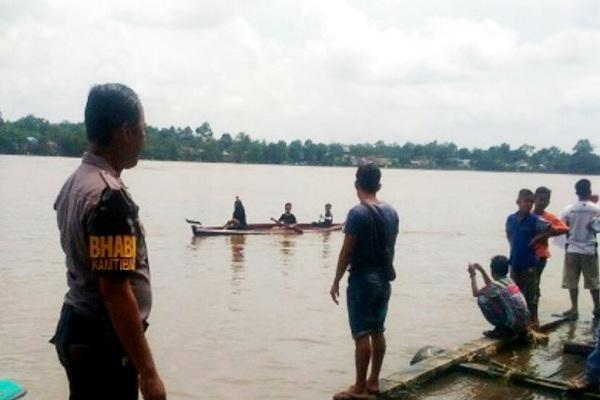 Lomba Sampan Bidar di Belitang Hilir untuk Kalangan Anak-anak