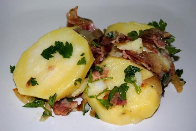 Ensalada de Patatas con Bacon (Kartoffelsalat mit Speck)