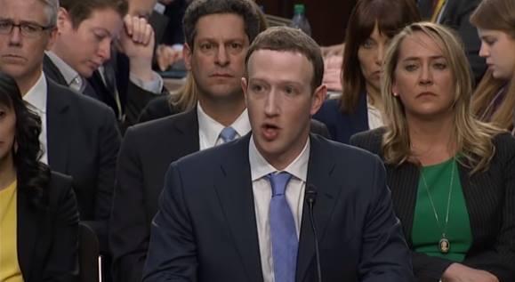 Zuckerberg tại một phiên điều trần ở Quốc hội Mỹ