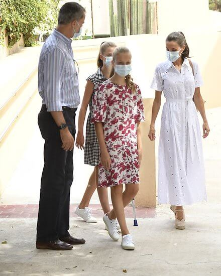 Queen Letizia wore a new floral laser-cut midi dress by Carolina Herrera. Princess Leonor wore a wide-fit printed dress by Sfera