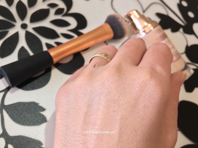 loreal lumi magique fondöten RCK1 expert face fırça swatch