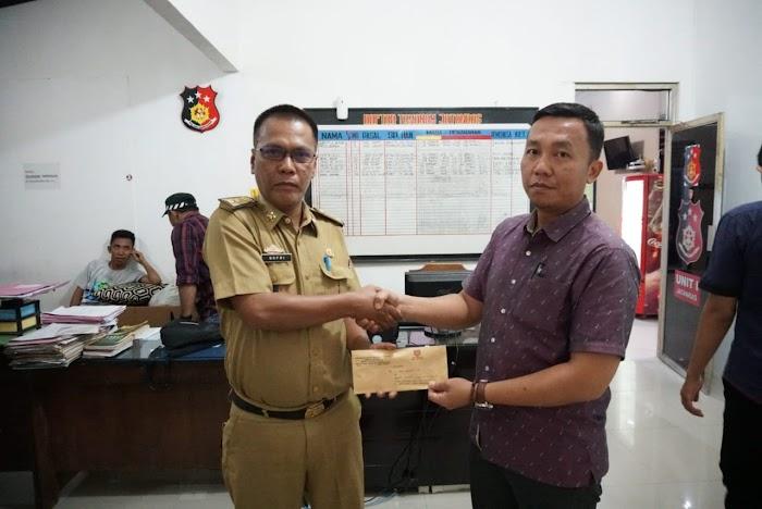 Plt Kadis Kominfo M.Sefri Masdian Laporkan Akun Facebook dan WhatsApp Palsu Ke Polres Lampung Selatan.