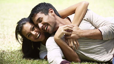 romentic-lovely-hot-smiling-hug-day-hdwallpapers