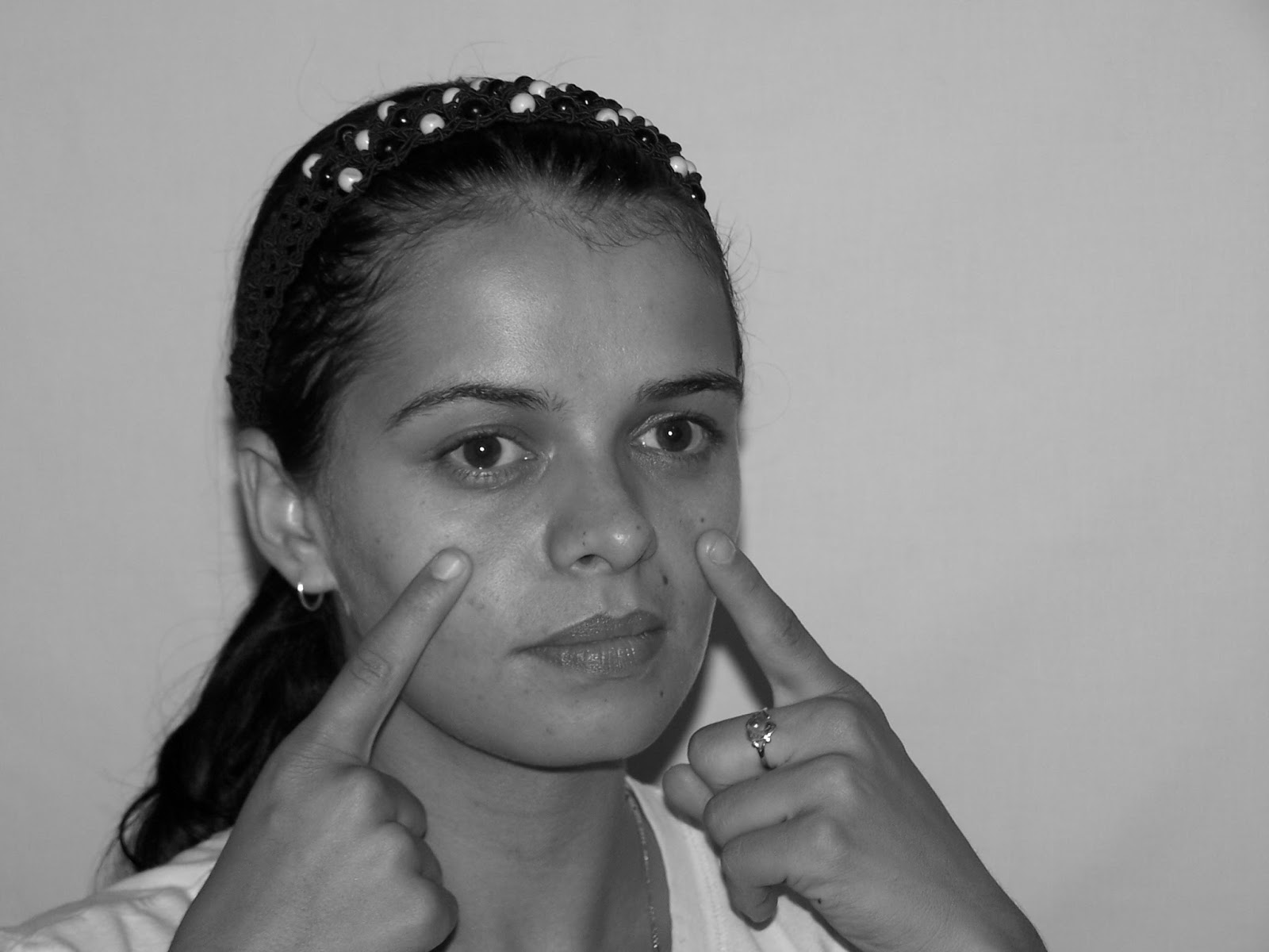 Treat And Tighten Sagging Hog Jowls Naturally And Without Surgery