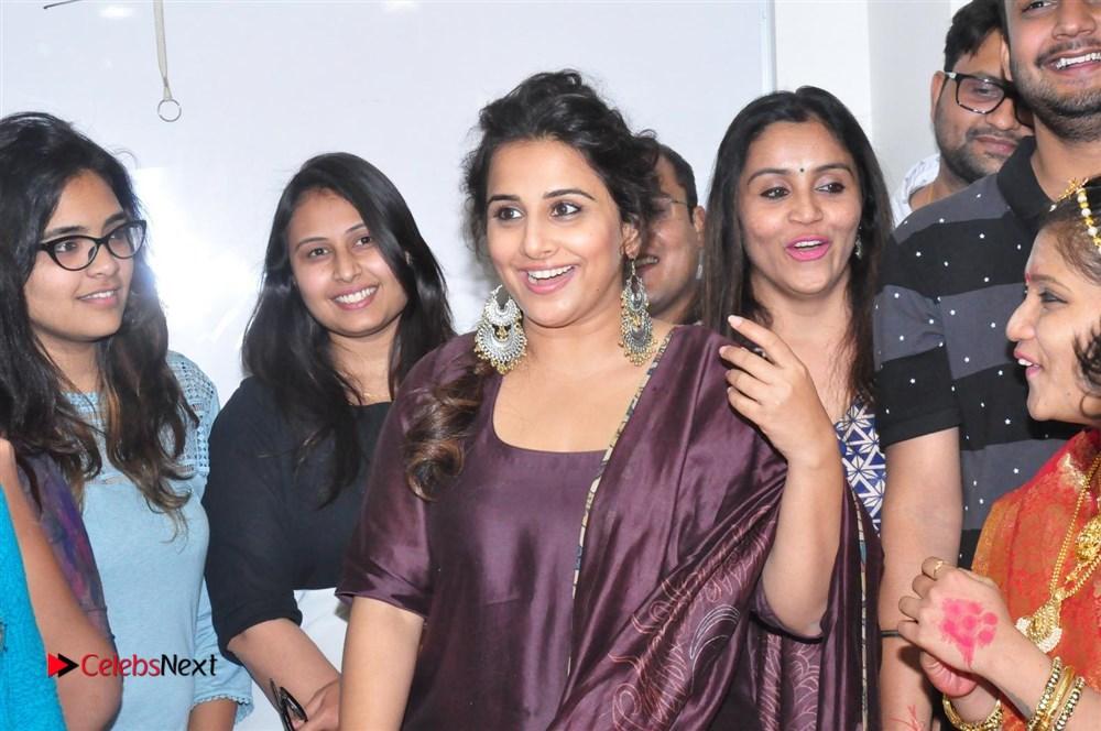 Vidya Balan Kahaani 2 Promotion at Radio Mirchi