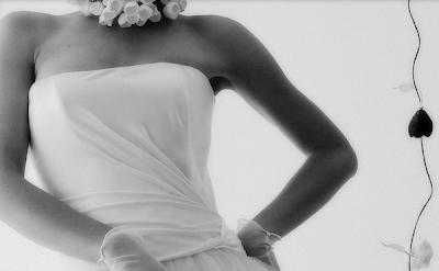 collana con fiori di carta per sposa