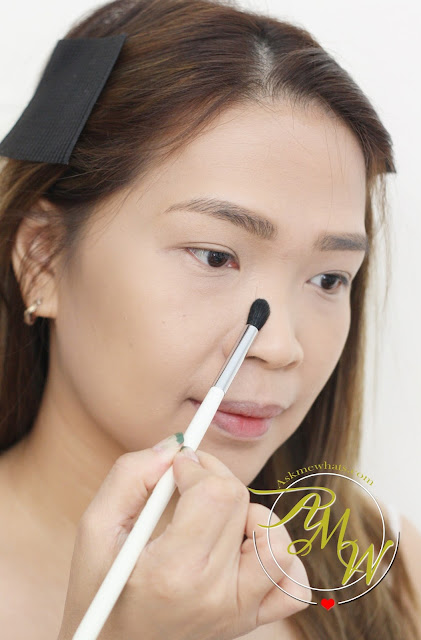 a photo on how to contour nose using Pony Effect Nice Shading Crony from Althea