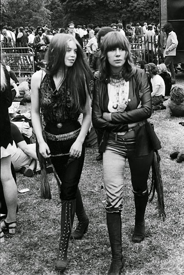Girls Of Woodstock The Best Beauty And Style Moments From -1835