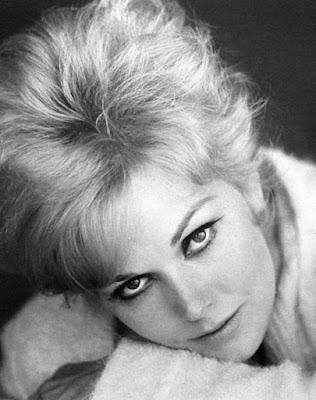Kim Novak, 1964. Public domain.