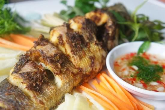 Món ăn ngon: Cá quả nướng riềng mẻ