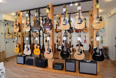 Nên mua đàn Guitar của hãng nào