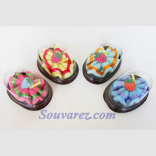 Souvenir pernikahan Saputangan Handuk Kue Bolu, souvenir murah online sidoarjo, souvenir murah surabaya sidoarjo, souvenir pernikahan di sidoarjo.