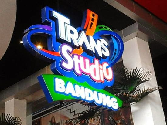 Paket Liburan Wisata Murah Trans Studio Bandung dan Kampung Gajah 2015