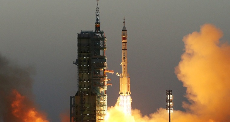 """Η Κίνα θα πατήσει πρώτη στην """"σκοτεινή"""" πλευρά του φεγγαριού…"""