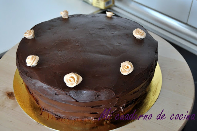 Chocolate layer cake con cheesecream de nutella