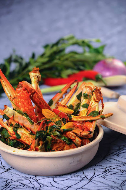 Lagoon Crab Curry by Chef Mohan from Berjaya Hotel Colombo, Sri Lanka in 'Flavours of Berjaya'.