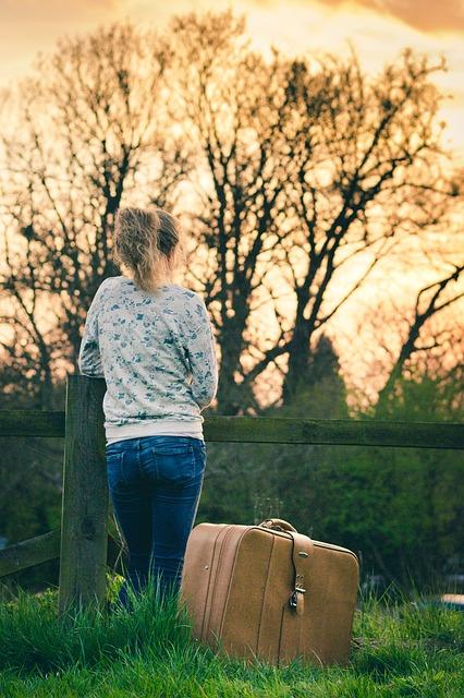 Seorang Wanita Bersiap Untuk Pergi - Blog Mas Hendra