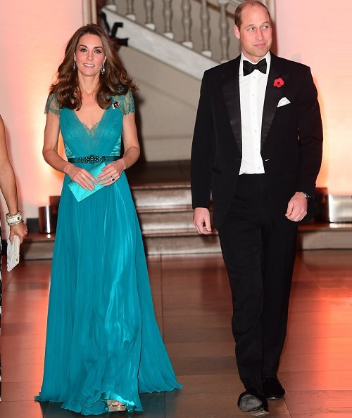 Kate Middleton wore her Jenny Packham gown, Olympic gala in 2012. Jimmy Choo Vamp sandals. Jenny Packham satin clutch